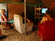 Chill tent met tv
