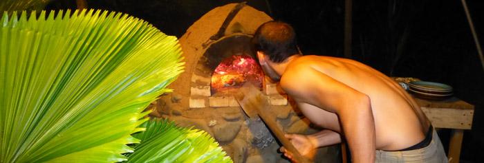 Verse pizza uit de oven
