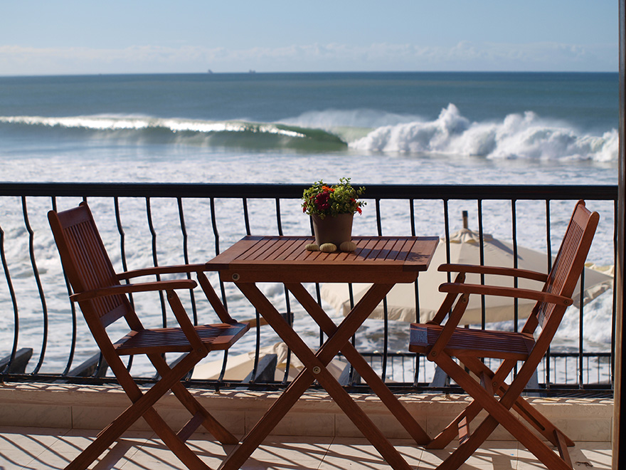 Dfrost Surf House balkon aan de break